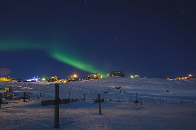 Northern Lights over Iqaluit © Max Forgues
