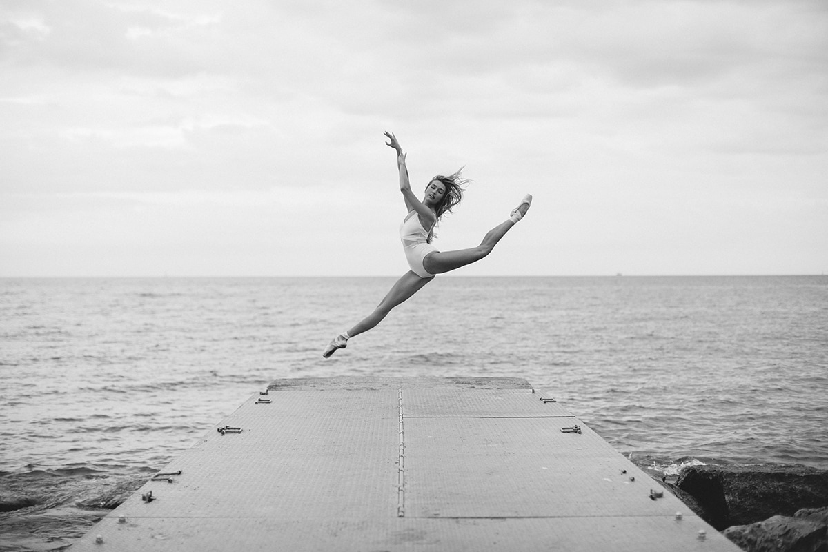 Dancer Leaping - Karolina Kuras