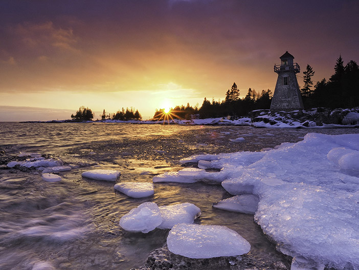 Ice Cubes on the South Shore - Peter Baumgarten